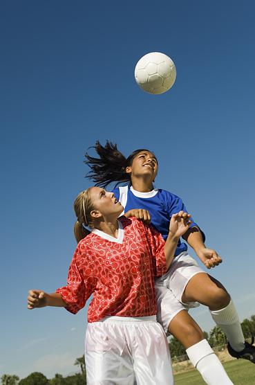 Studies show female athletes suffer different concussion symptoms